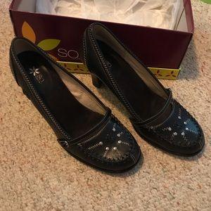 SO Delight Black Leather Heels